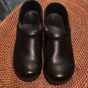 Dansko Black Leather Clog - Sz 40